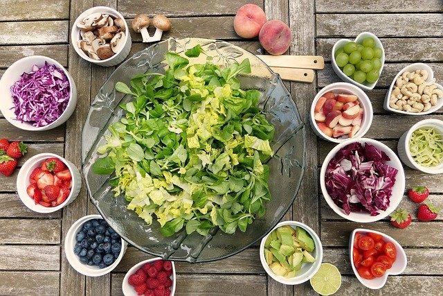 Bir Tabak Salata Kaç Kalori ? - salata kalori oranı - salata besin değerleri - salatalık kaç kalori