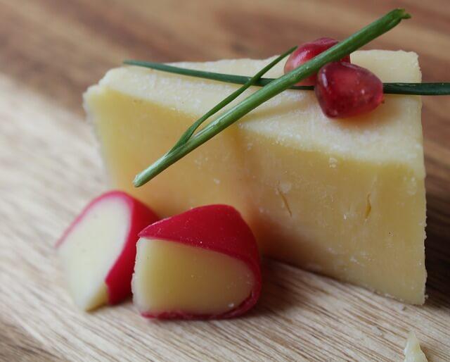 kaşar peynirin kalorisi - kaşar peynir besin değeri