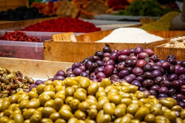 zeytin kalori oranı - zeytin besin değeri - zeytinin faydalarıi