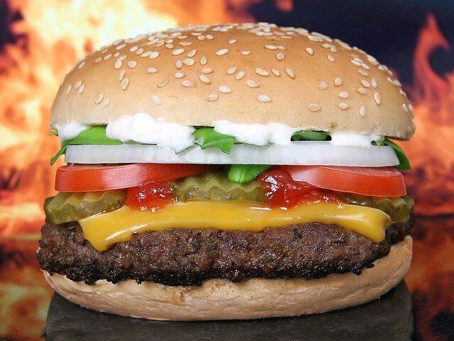 Bir adet Hamburger kaç kalori? Hamburger menü kalori oranı nedir? Ev yapımı hamburger kilo aldırır mı? Hamburger köftesi kaç kalori.