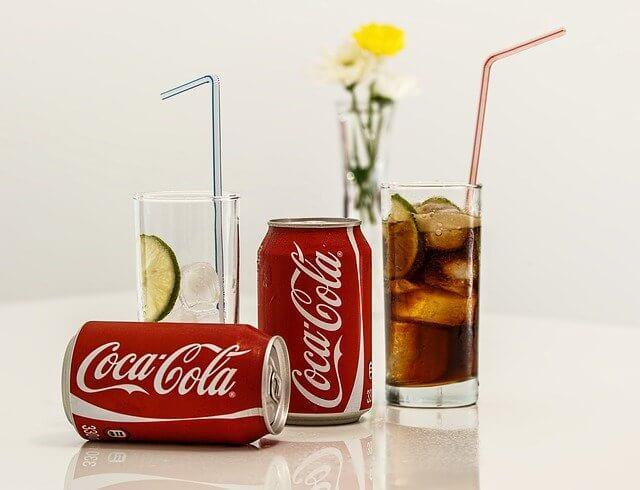 Bir bardak Kola kaç kalori? Kola kilo aldırır mı? Şekersiz, Zero, Coca Cola kalori ve besin değeri nedir? 1 litre, 1 kutu Kola kalori miktarı