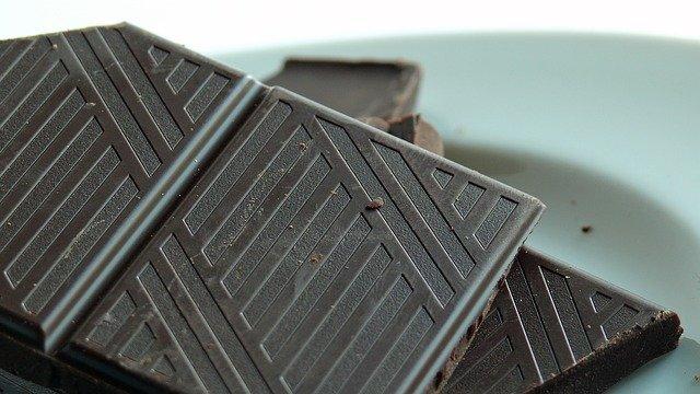 1 kare bitter çikolata kaç kalori  - bitter çikolata besin değeri